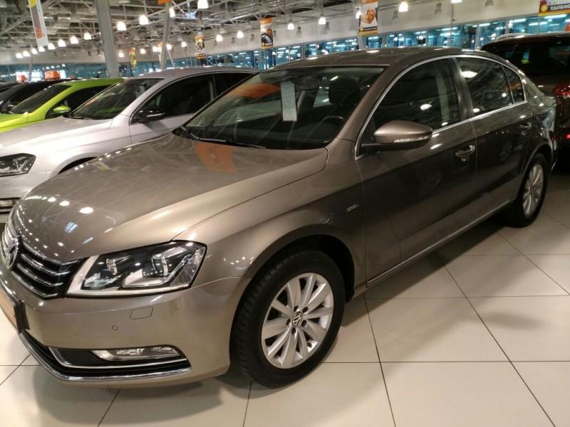 Volkswagen Passat 2016 АТ 1,4 л.