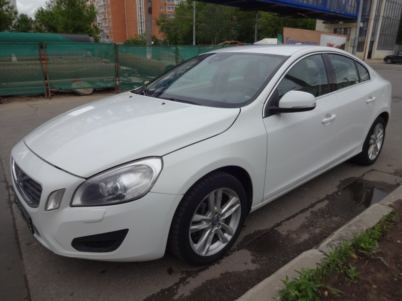 Volvo S60 2013 АТ 2,5 л.