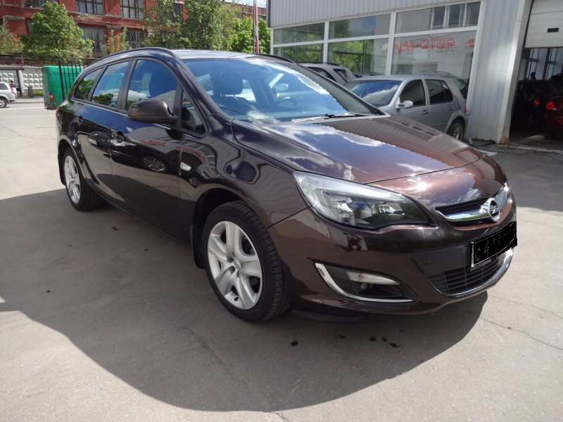 Opel Astra Universal 2013 АТ 1,6 л.