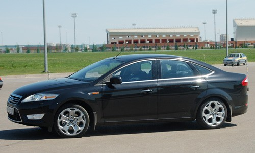 Ford Mondeo 2013 АТ 1,6 л.