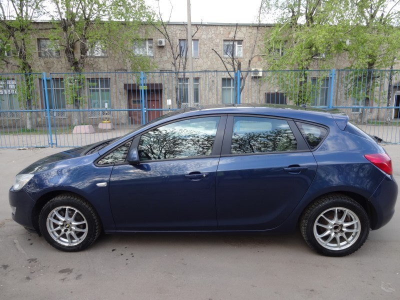 Opel Astra 2013 АТ 1,6 л.